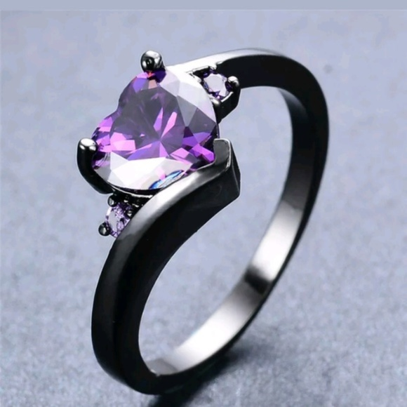 Jewelry - 925 Black Gold Filled 3 Stone Ring Size 7 Jewelry